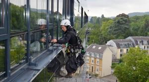 Fensterreinigung-Industriekletterer-Berlin-Fensterputzer