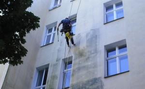Industriekletterer-Berlin-Fassadenreinigung-reinigung