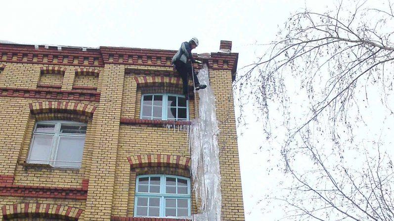 Industriekletterer-Berlin-schneeraeumung-eisentfernen