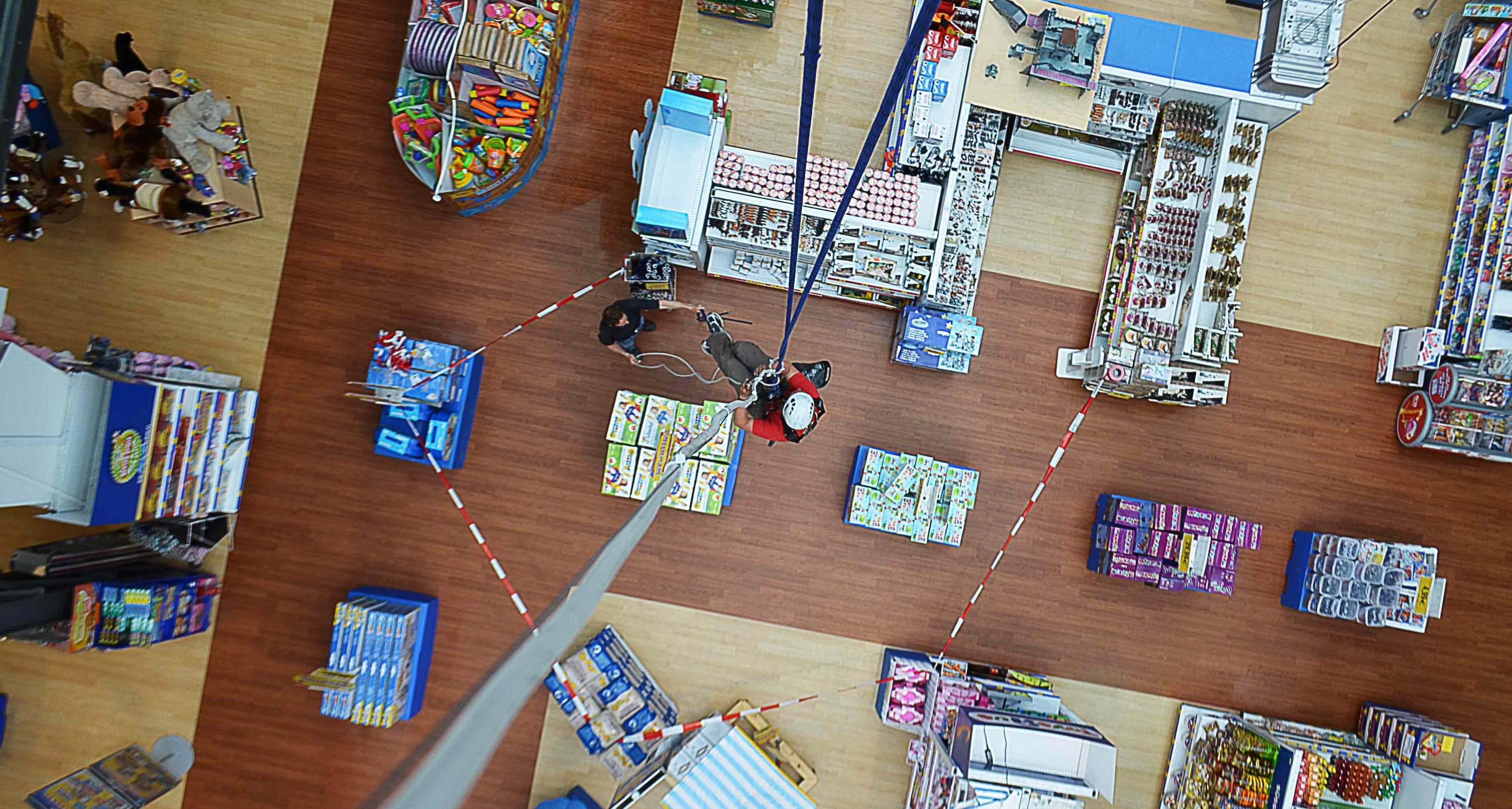 industriekletterer-dekoration-werbetechnik