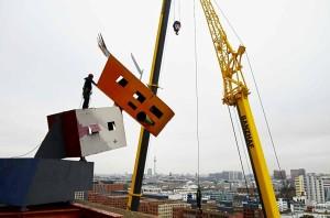 Industriekletterer-Berlin-werbetechnik-kunst-objekt-demontage